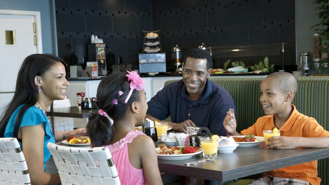 Vista 9 Oceanfront Family Dining