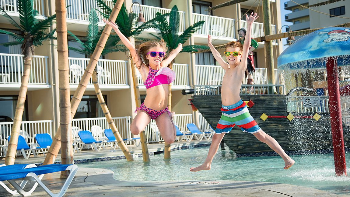 Kids at the Captain's Quarters Kids Waterpark